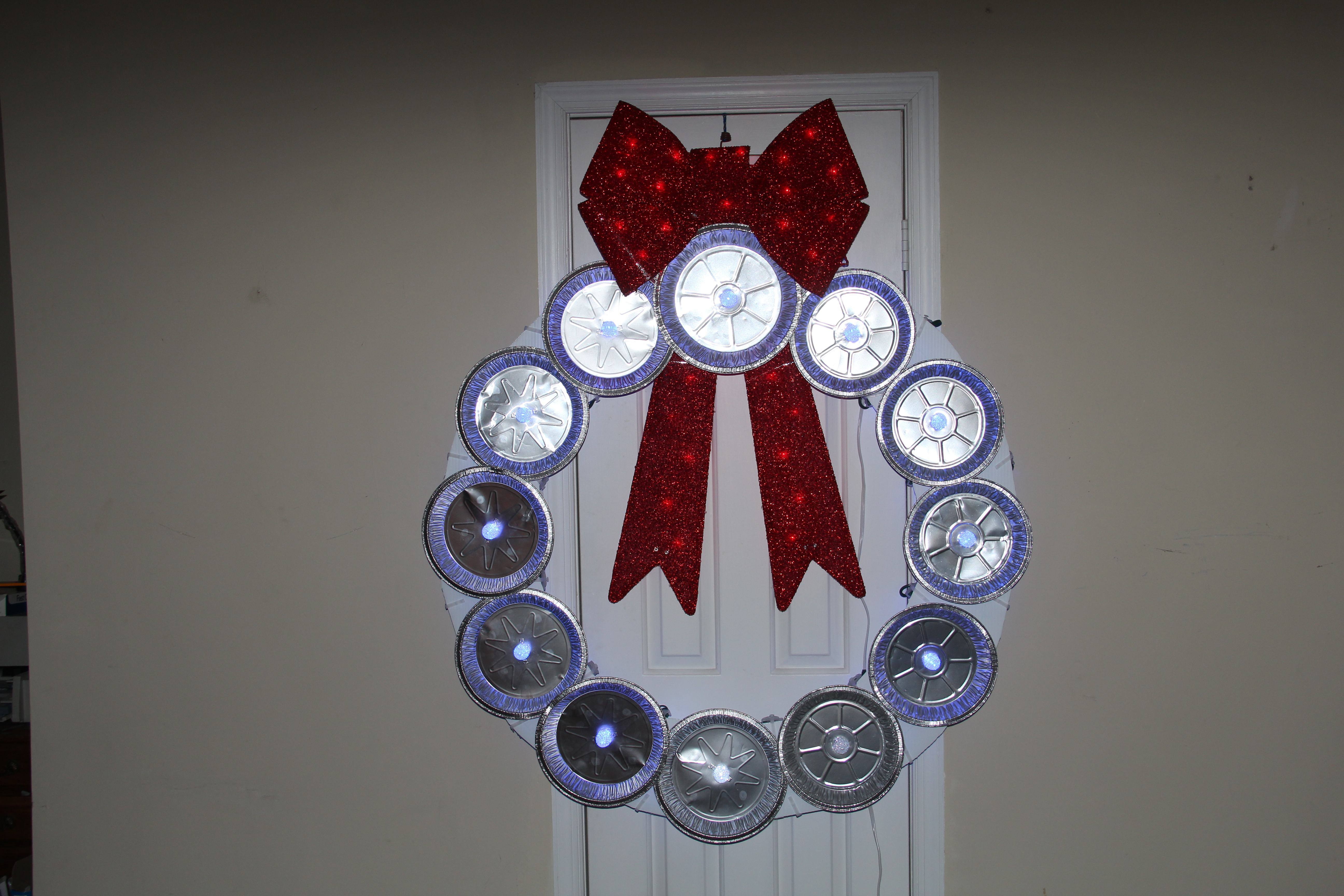 Picture of Accessorize the Wreath (Red Lighted Tinsel Bow)
