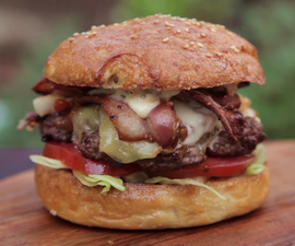 How to Cook a Crispy Bacon and Cheese Burger