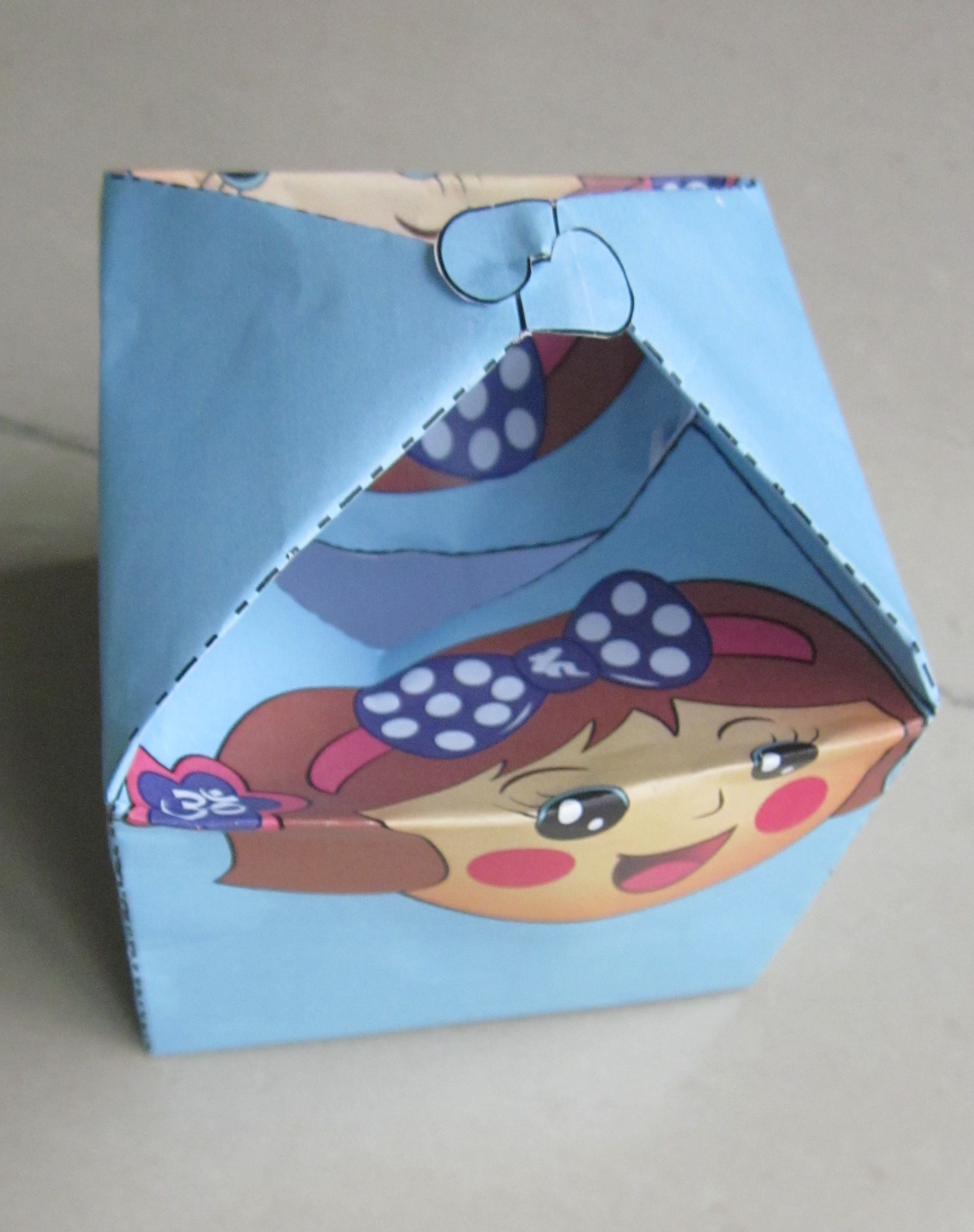 Picture of Miss La Sen Square Paper Box