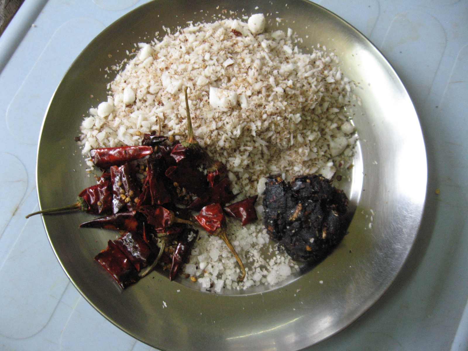 Picture of Roast Red Chillies and Tamarind Pieces