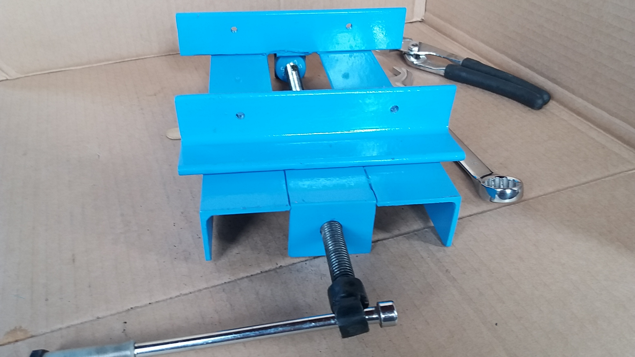 Picture of Bench Drill Made of Metal Scrap