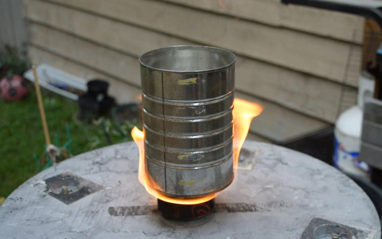Picture of How to Make an Aluminum Can Stove