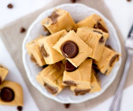 How to Make 4 Ingredient Rolo Caramel Fudge
