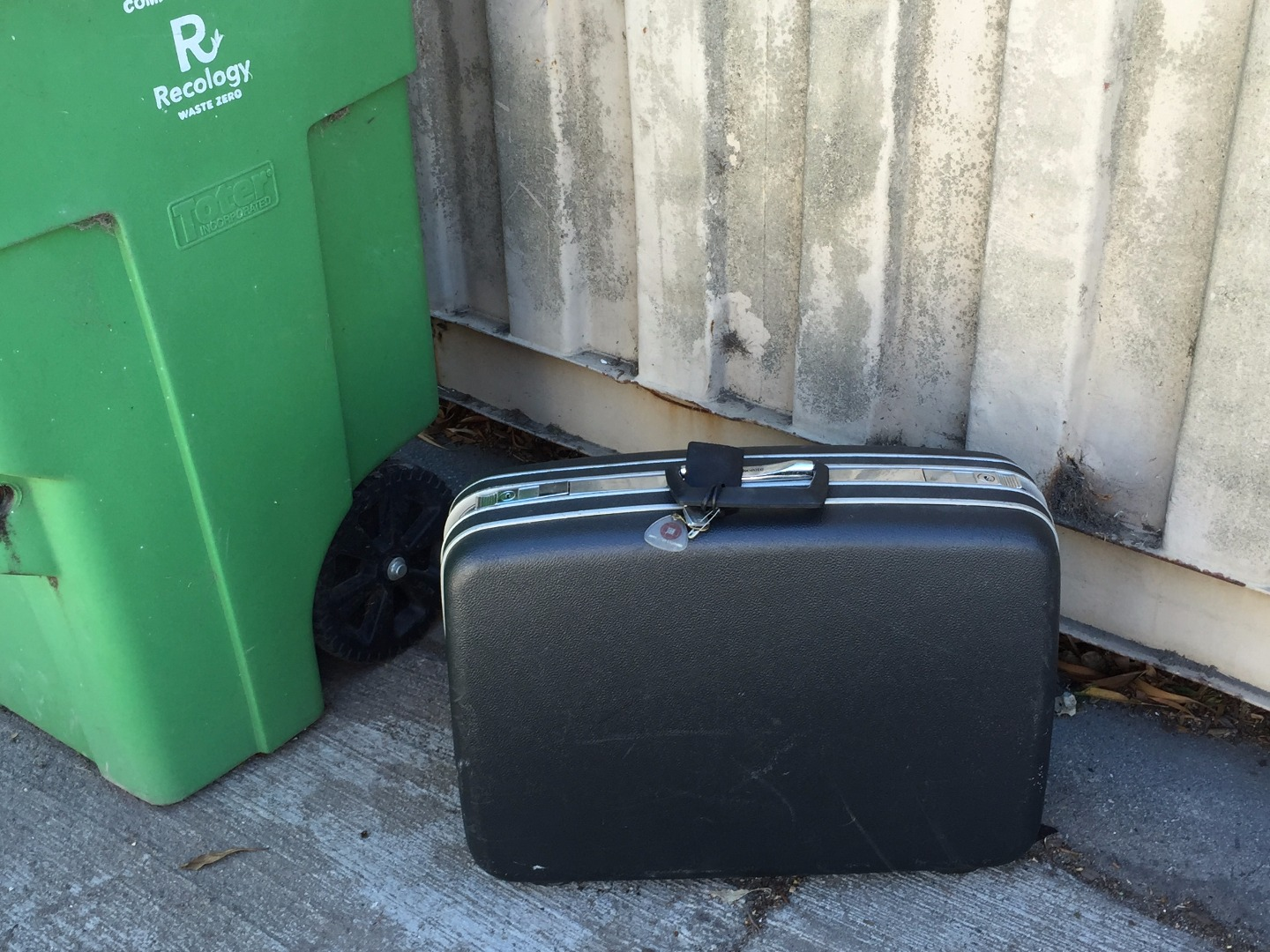 Picture of Find Suitcase
