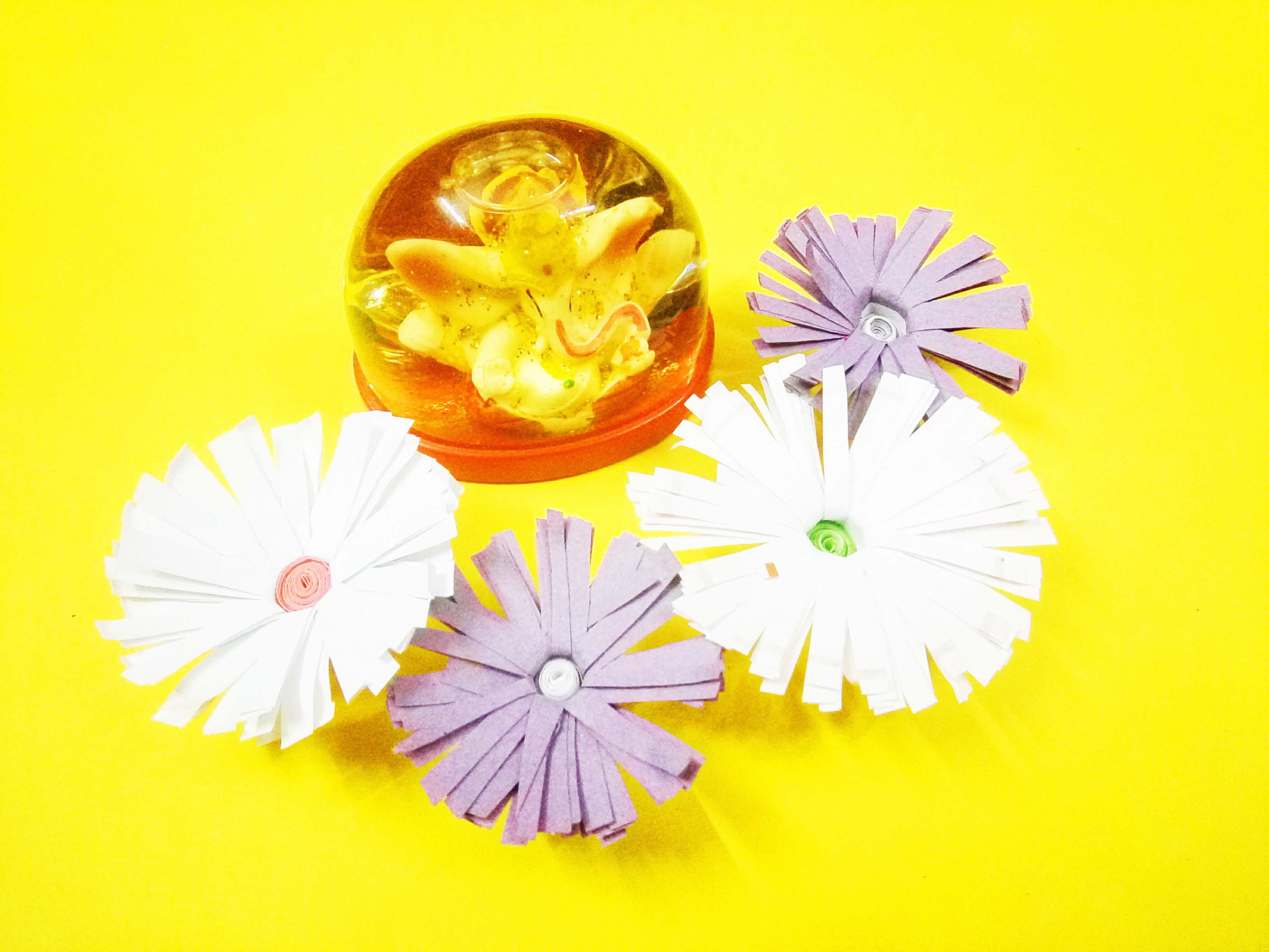 Picture of DIY Decorative Paper Flowers