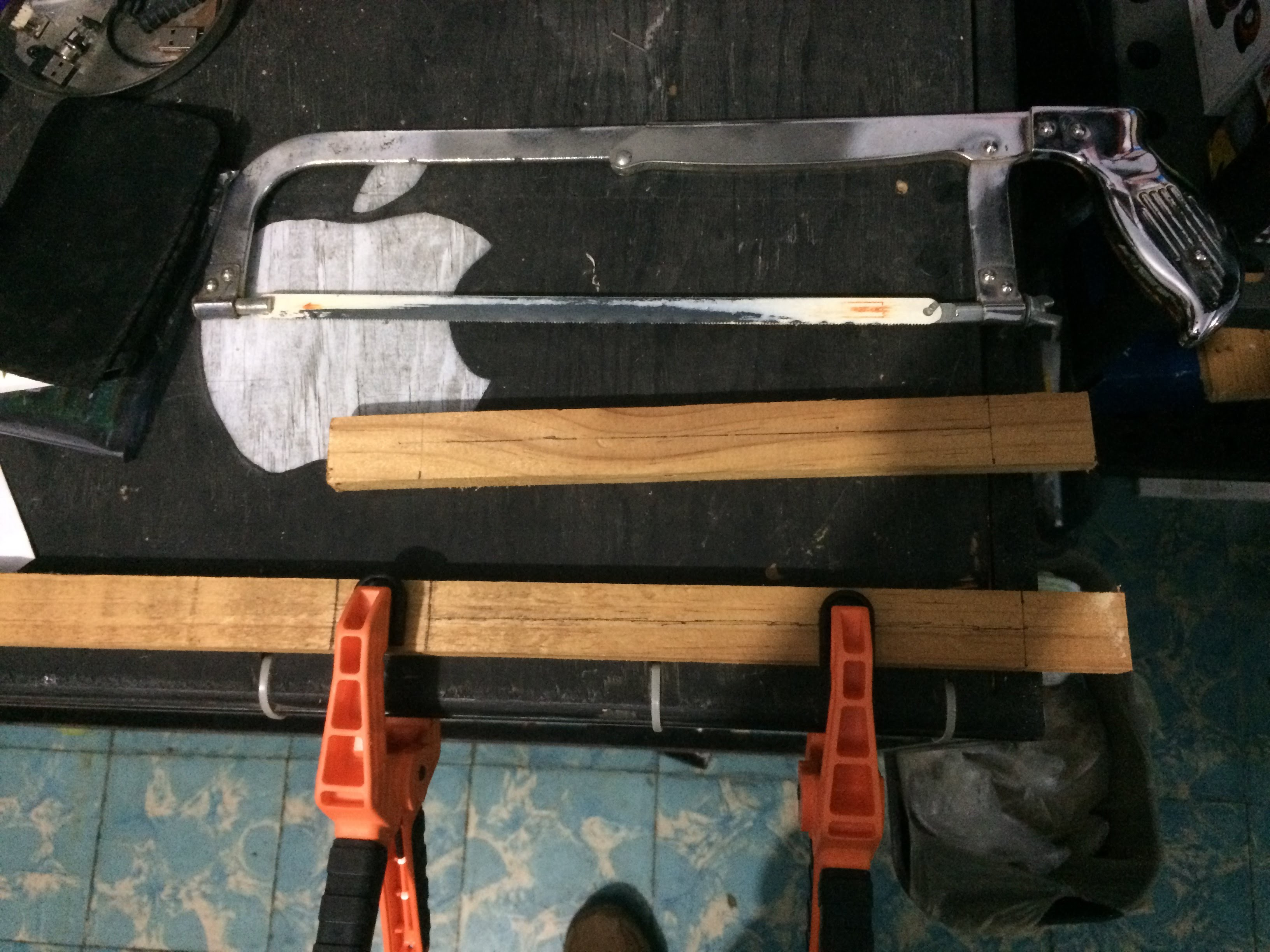 Picture of Messuring the Parts and Cutting the Supports