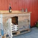 rustic minibar from pallet frames