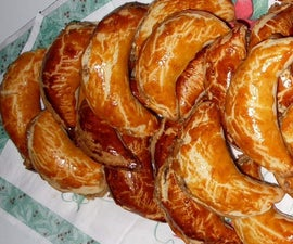 Hungarian Walnut Crescent Pastry