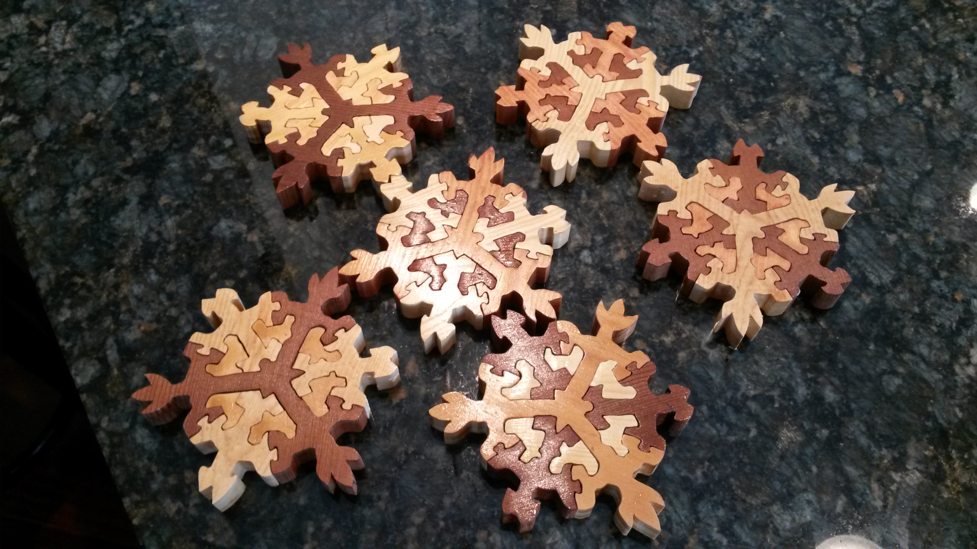 Picture of Wooden Snowflake Puzzle Stockingstuffers