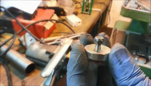 Fix the Magnet on Clamp