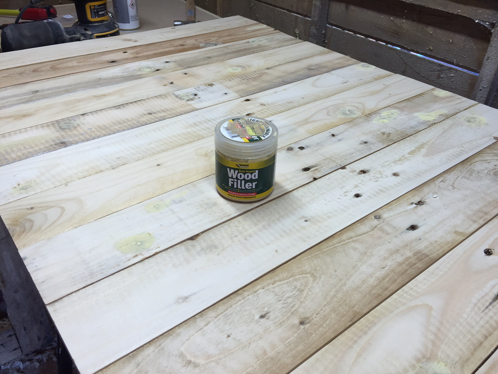 Picture of Join the Pallet Boards Together