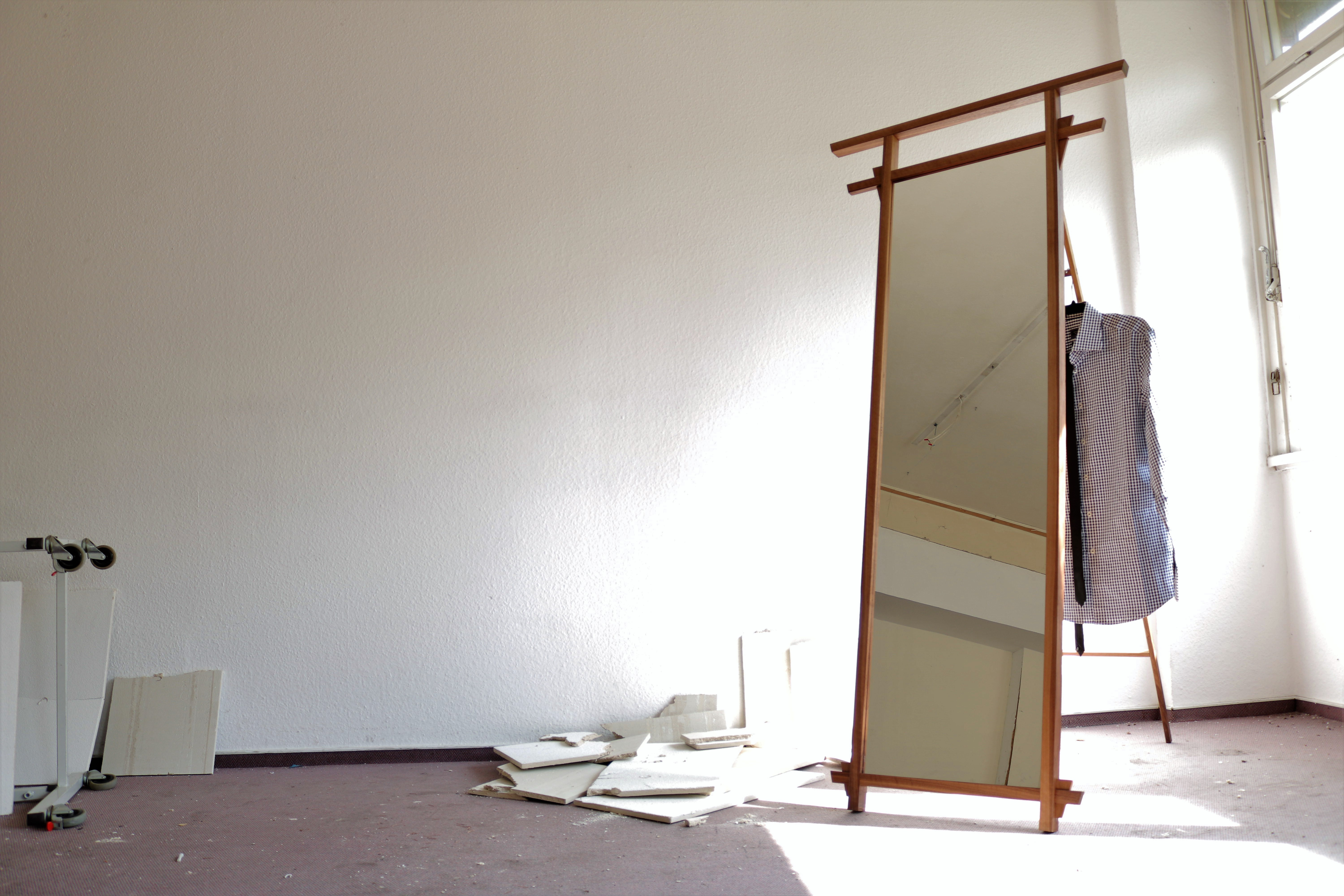 Picture of Assemble the Mirror Frame