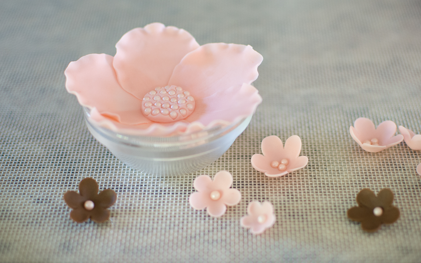 Picture of Large Fondant Flower