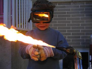 DIY Taser in Flashlight: 4 Steps