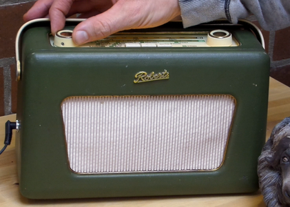 Vintage Radio to Bluetooth Speaker Simple Electronics Project