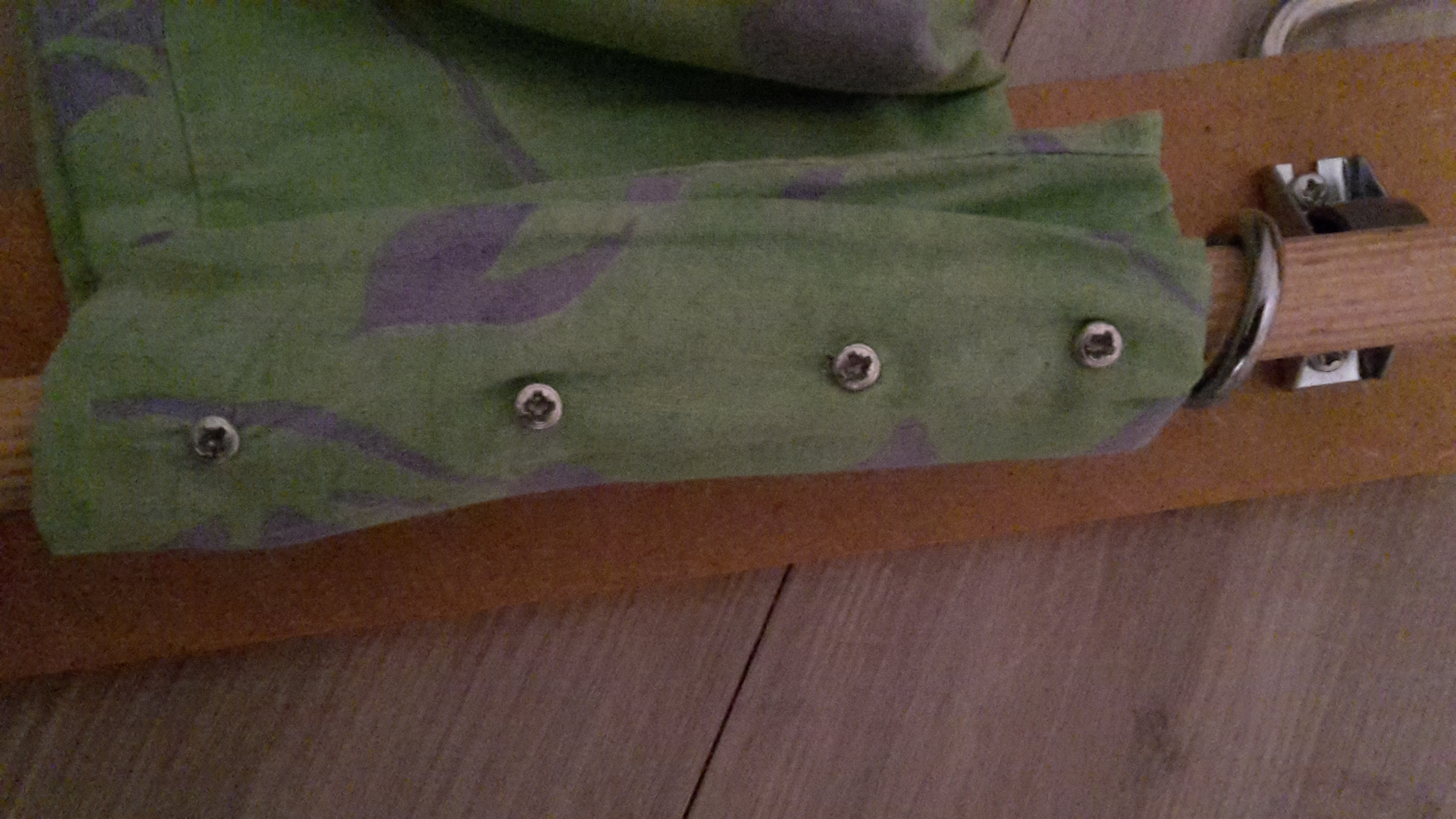 Picture of Attaching  the Fabric to the Cilinders