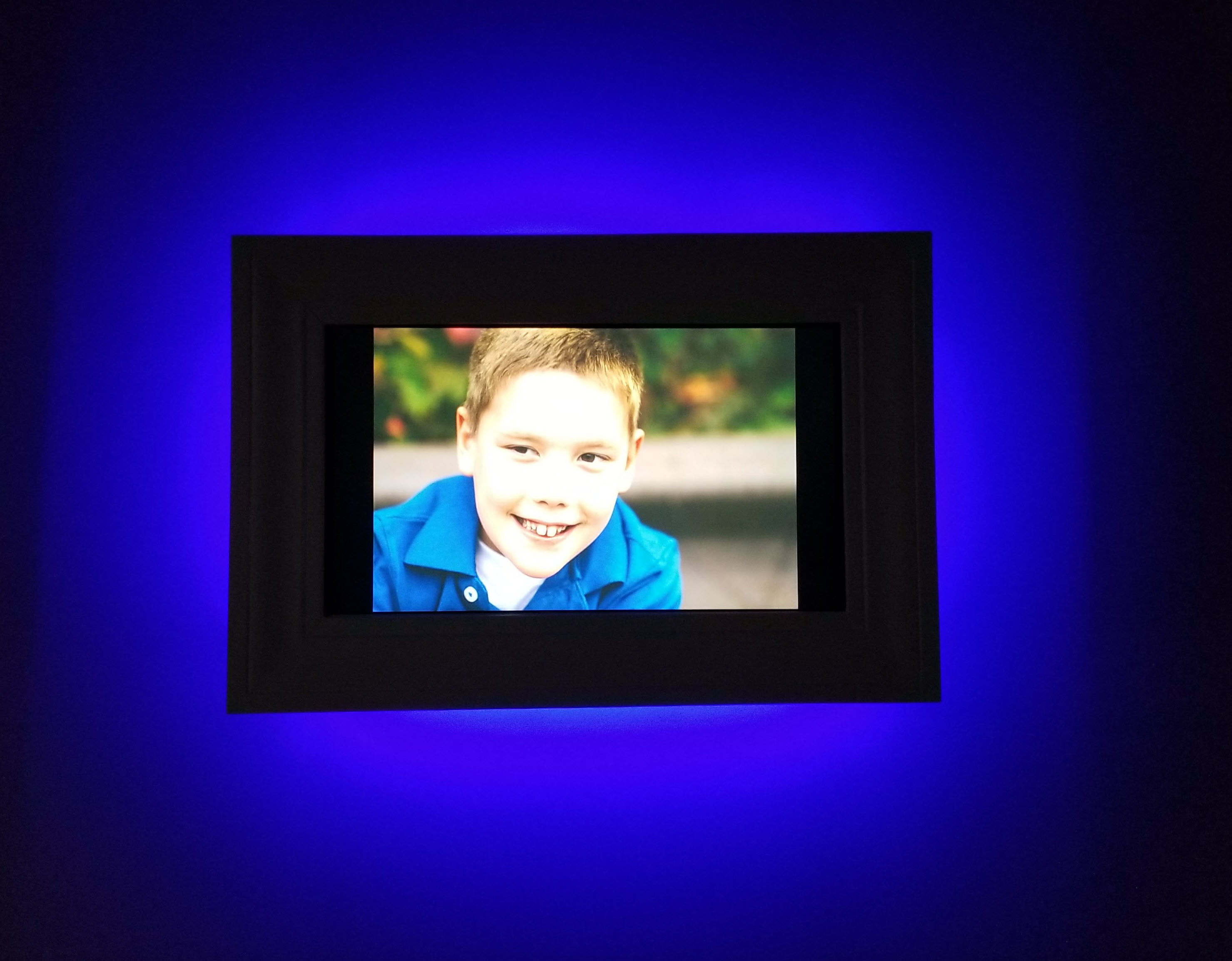 Picture of Cloud Connected, Motion Activated, Digital Photo Frame
