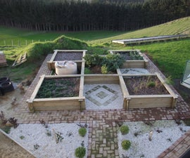 Raised Vegetable Garden / Raised Beds