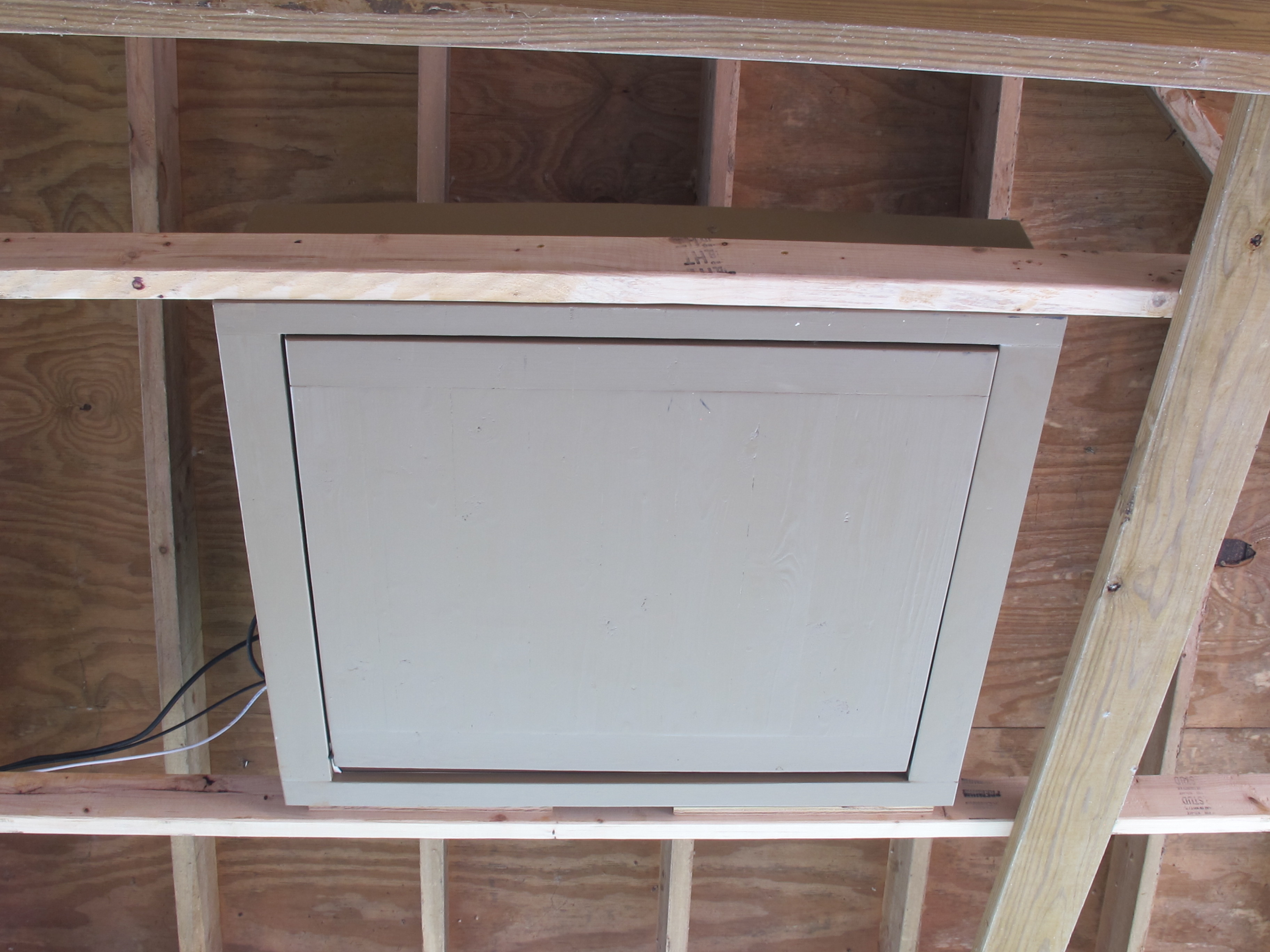 Picture of Motorized Flip Down TV Lift