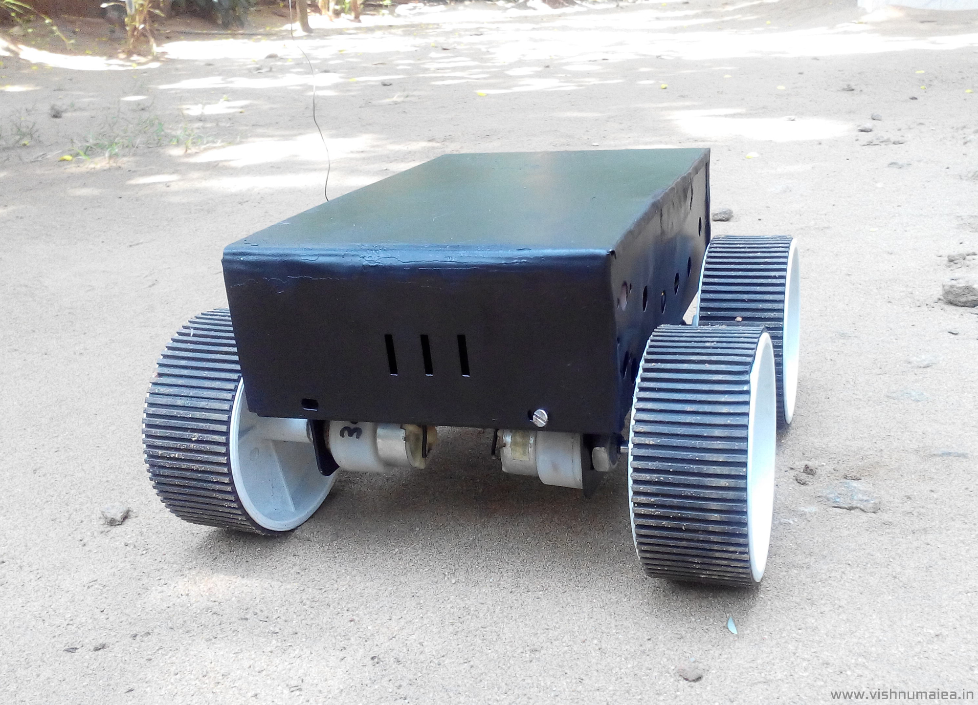 Picture of RC Four Wheel Ground Rover