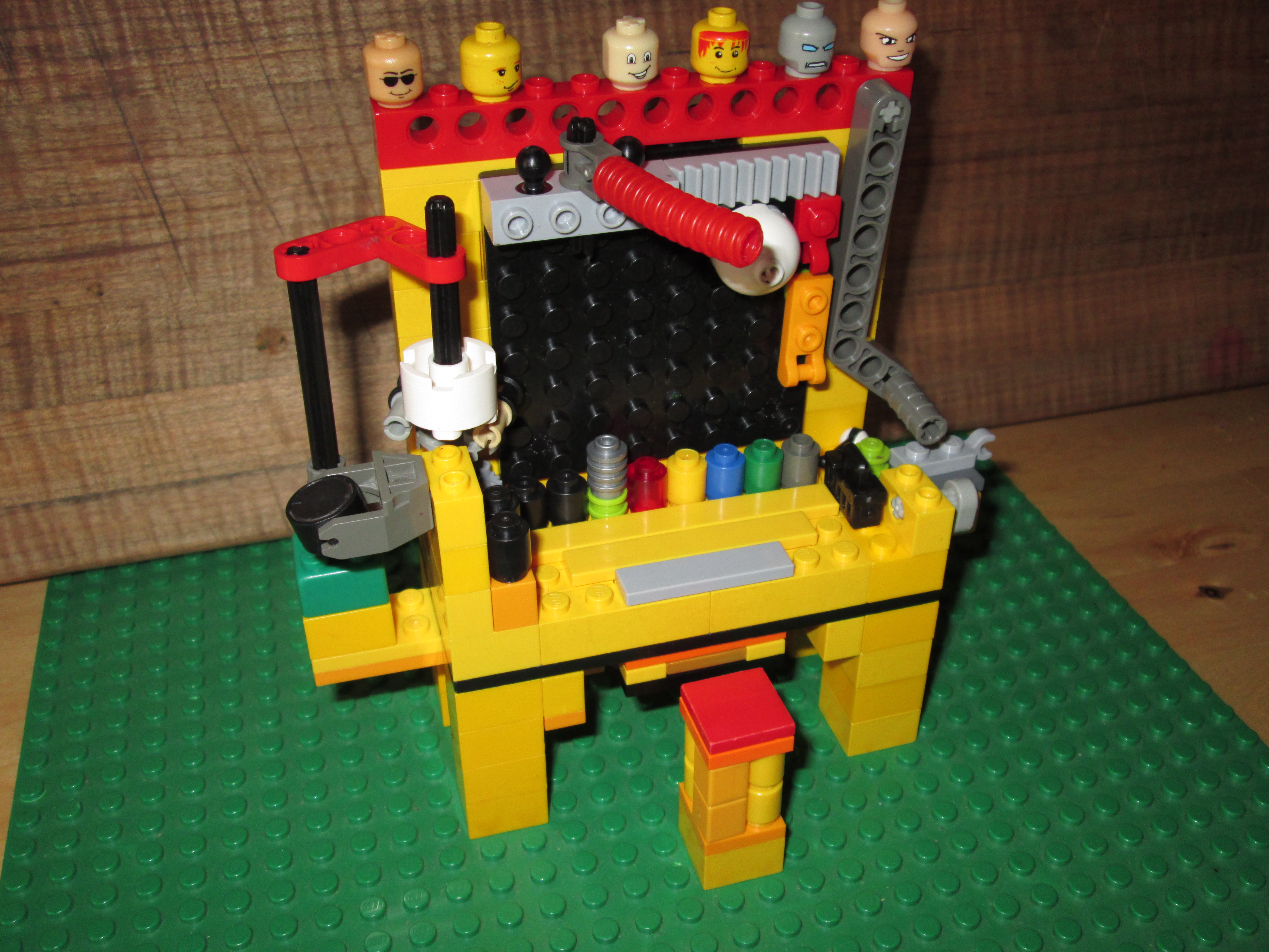 Picture of Cool Mini Lego Workbench