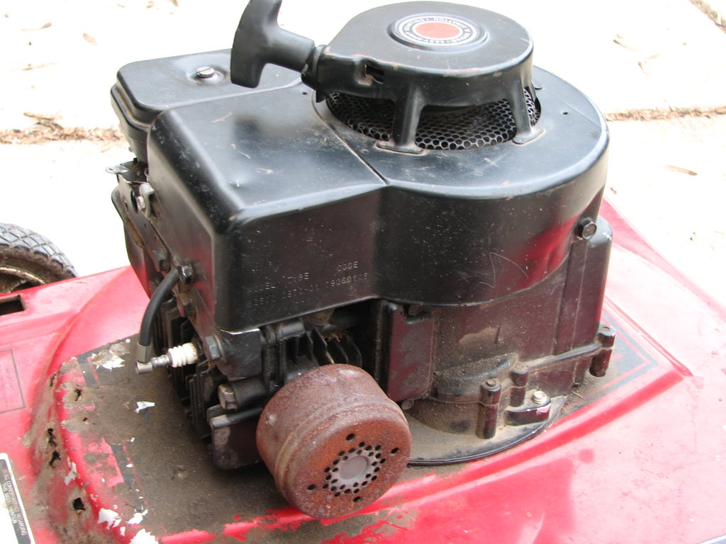 Homemade Exhaust for Your Old Lawnmower : 5 Steps (with Pictures) -  InstructablesInstructables