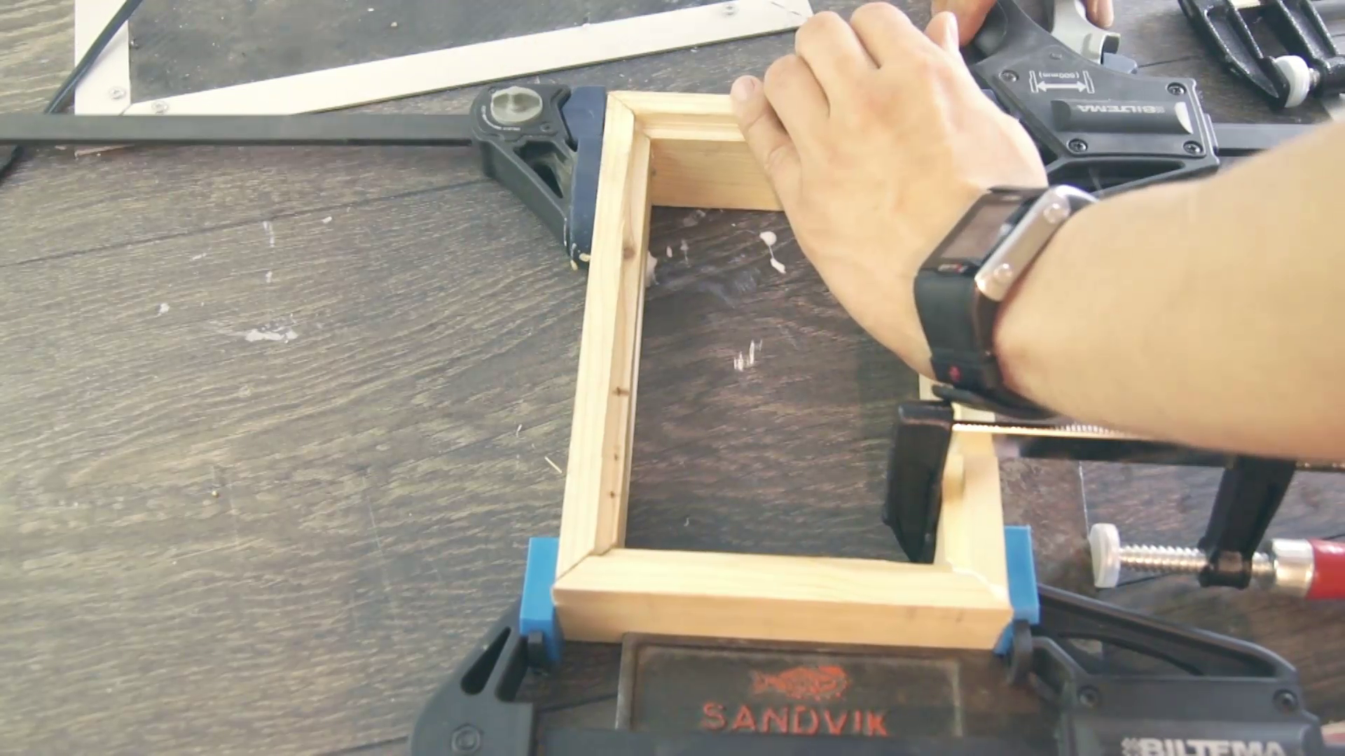 Picture of Assembling an Acceptable Frame