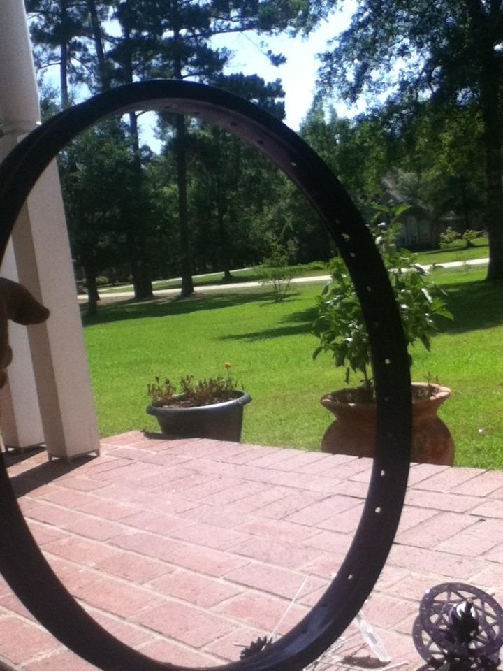 Picture of Cut the Tire Rim in Half