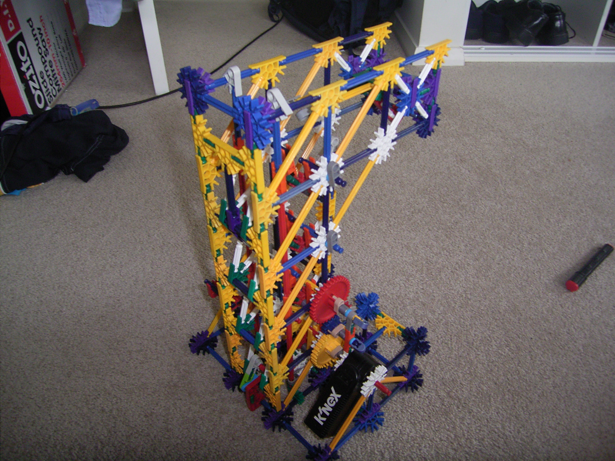 Picture of Knex 'Puzzle' Ball Lift