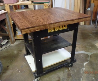 The Art of Reclaiming Oak Flooring:Upcycling Shop Workstand