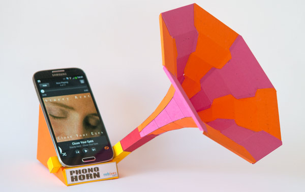 Picture of Phono Horn. Free Sound Dock for Your Smart Phone to Download and Make.