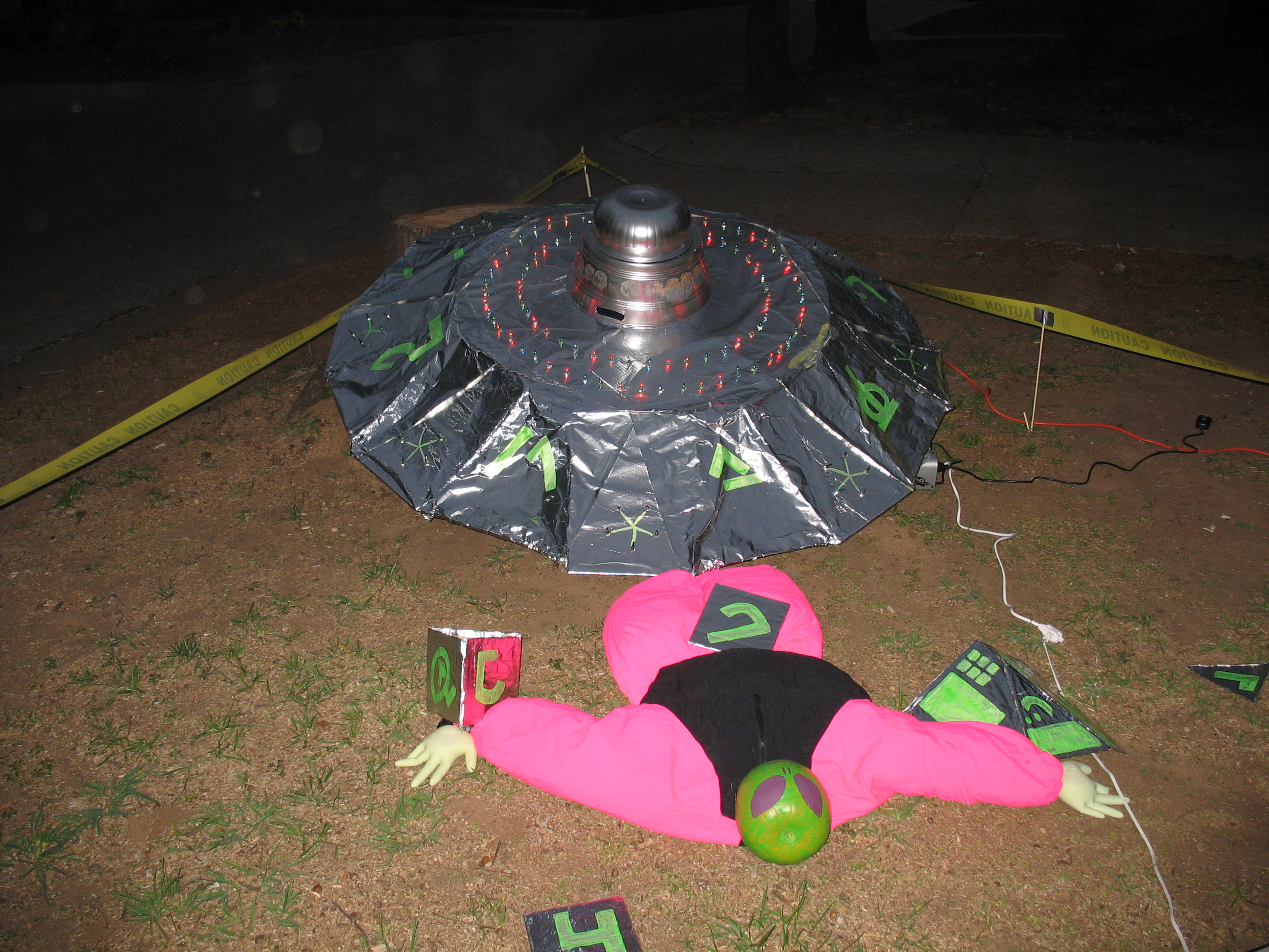 Picture of Make a Halloween UFO From Cardboard
