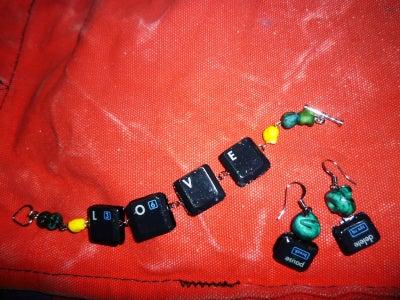 Keyboard Bracelet With Interchangeable Keys
