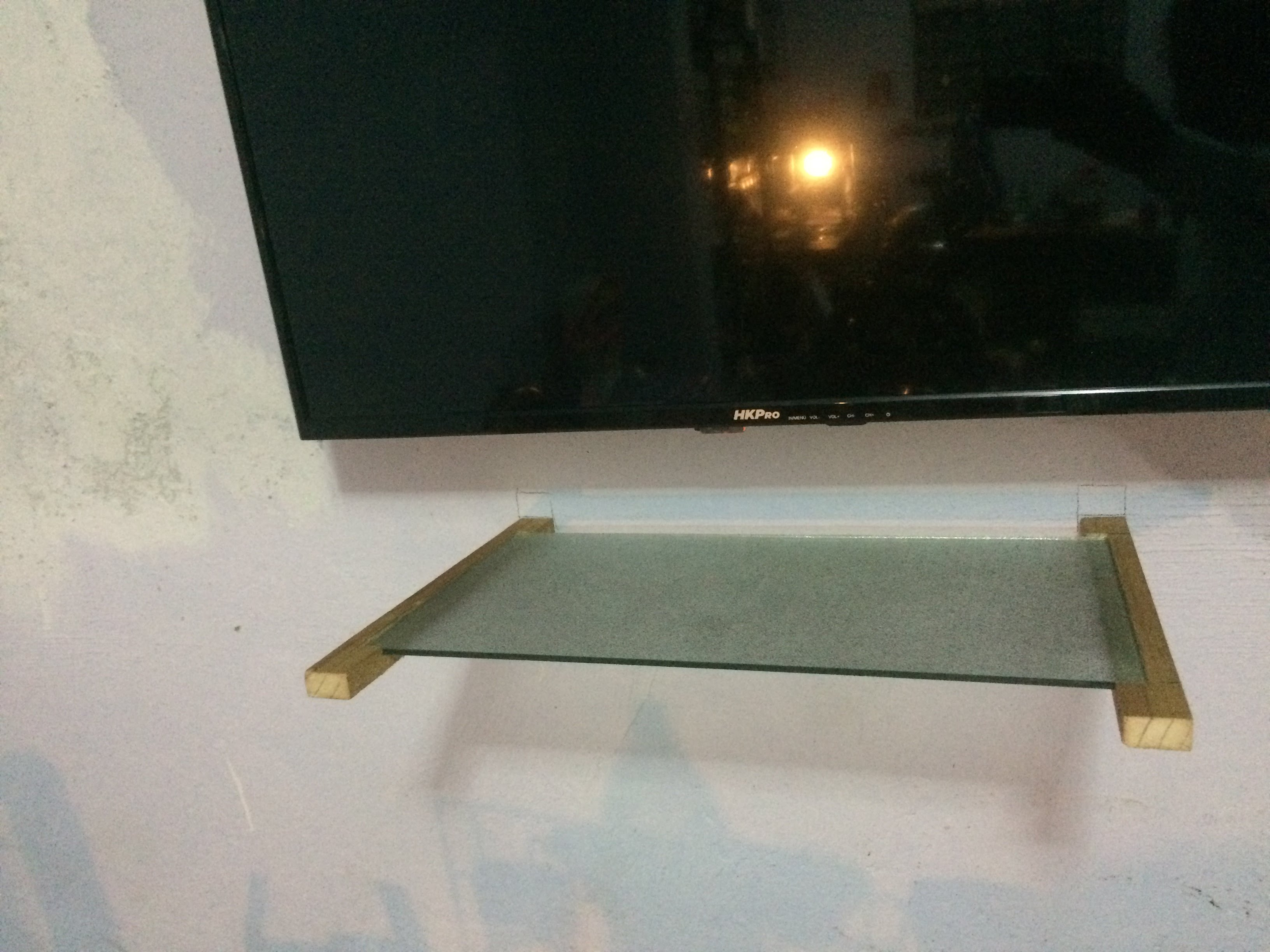 Picture of Crystal Shelf With Wooden Supports