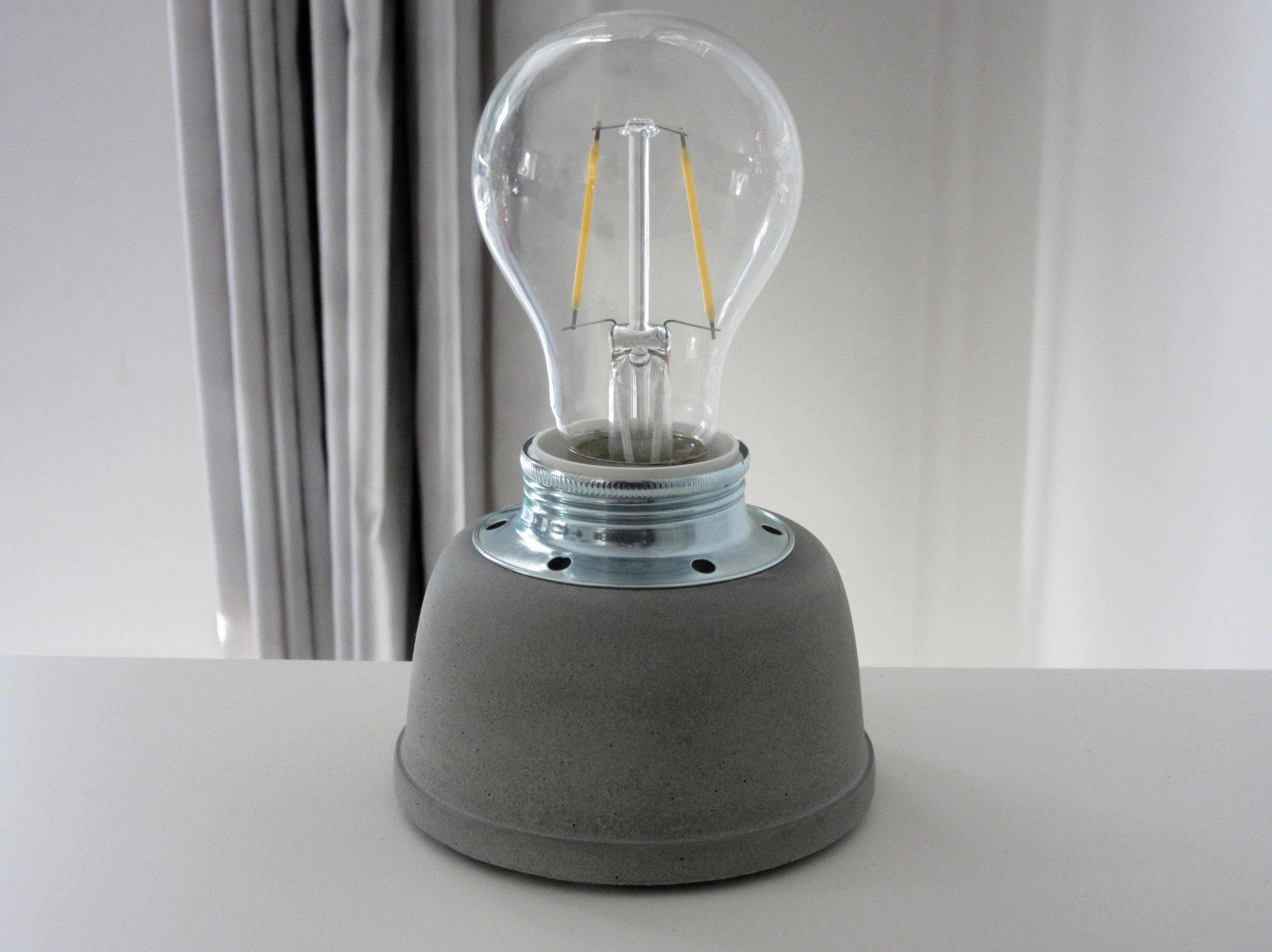 Picture of Concrete Lamp (3)