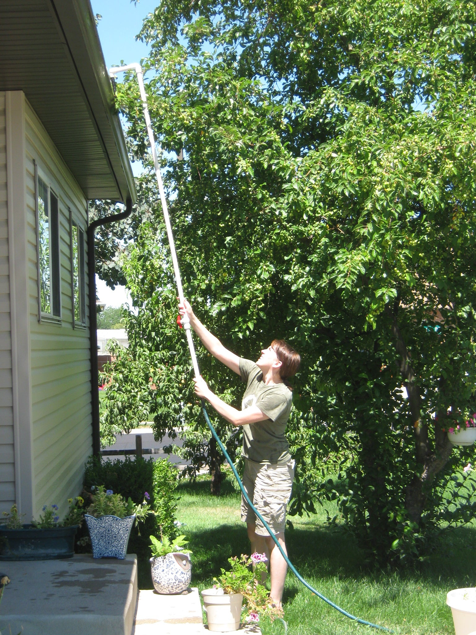 Rain Gutter Cleaner 3 Steps With Pictures