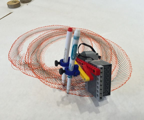 Tinkering With LEGO: Art Machines