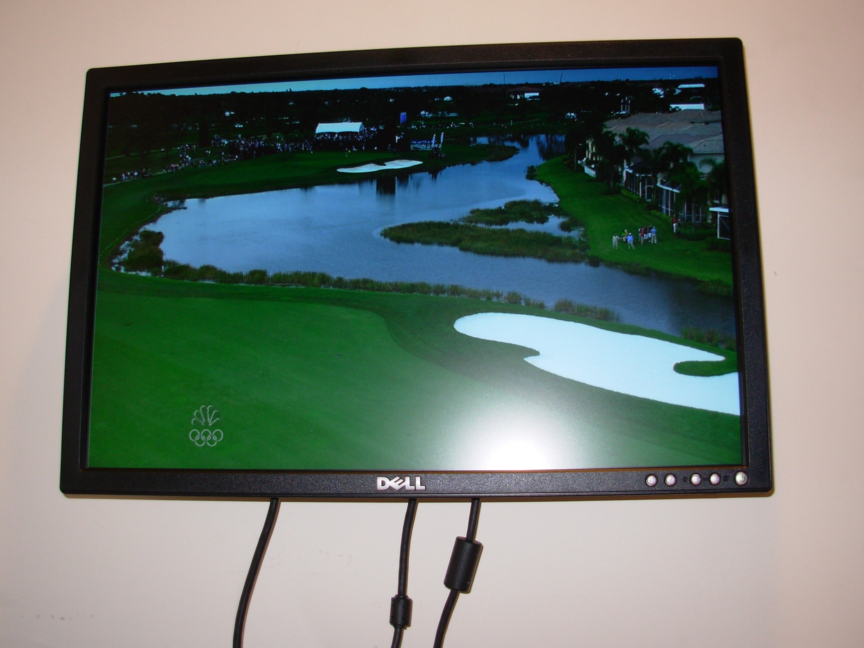 Use an LCD Monitor As a TV Without a Computer : 5 Steps (with Pictures) -  Instructables