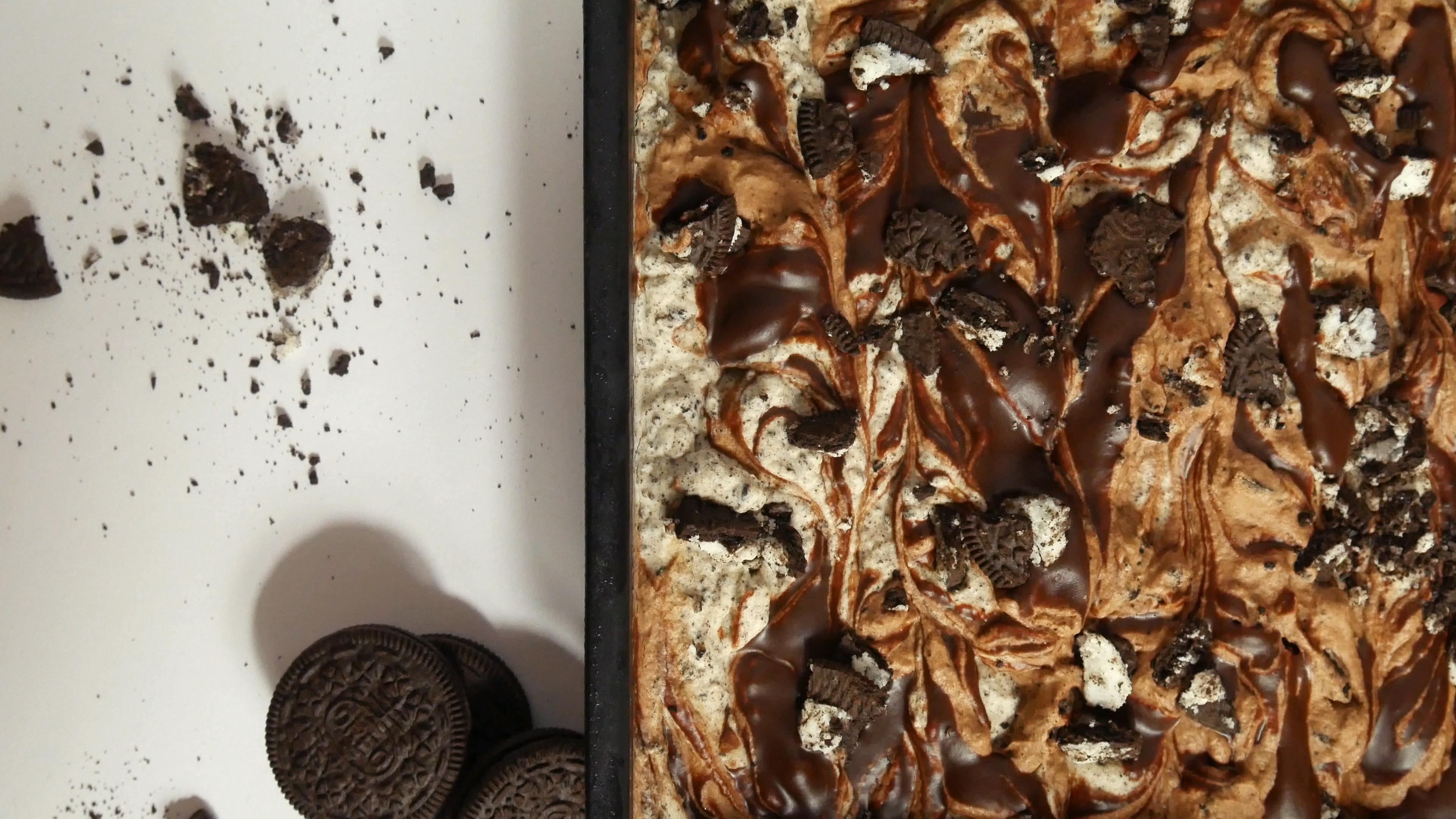 Picture of OREO COOKIES & CREAM ICE CREAM WITH CHOCOLATE FUDGE - NO CHURN / NO MACHINE
