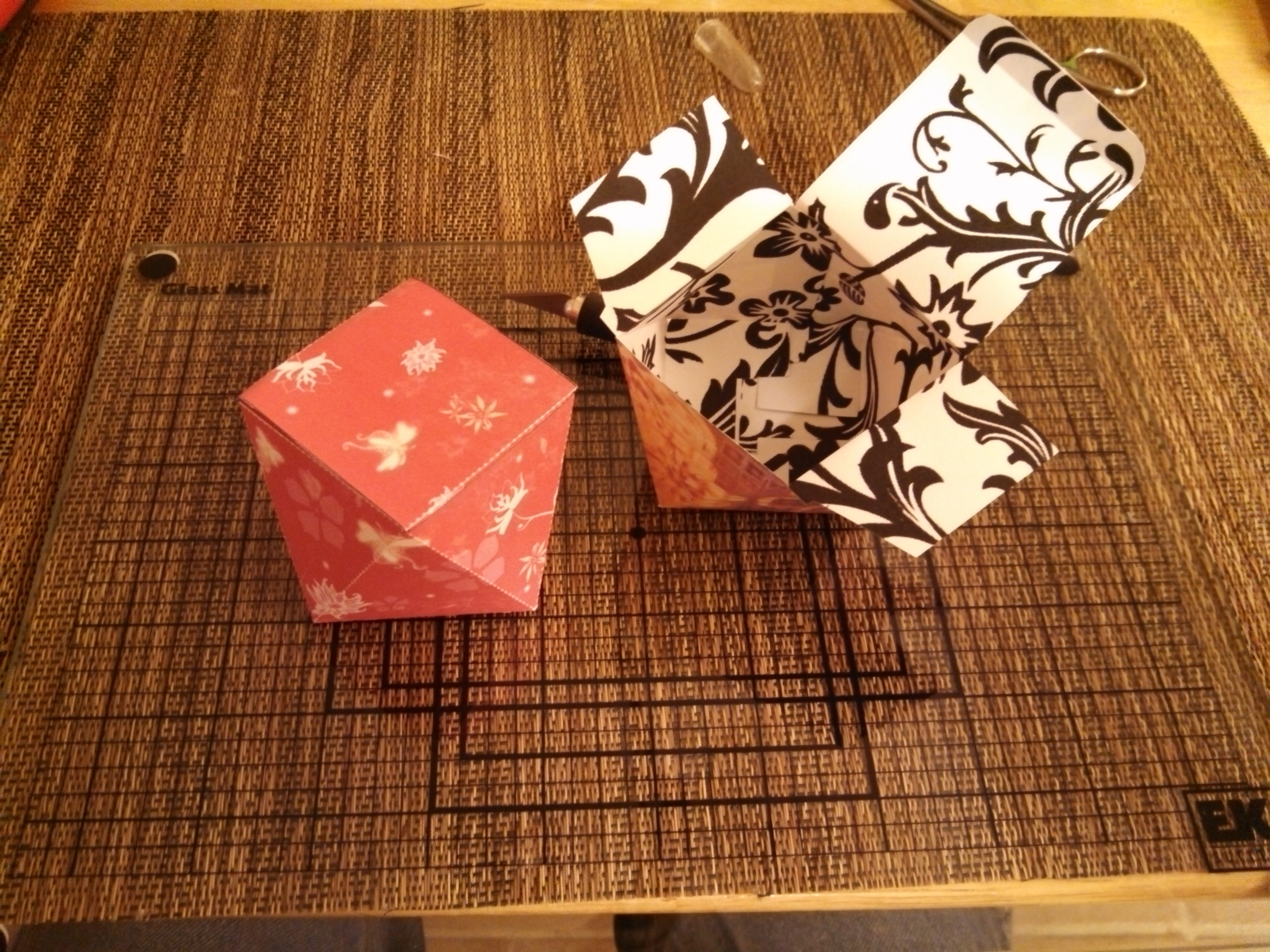 Picture of Papercraft Valentine's Gift Box