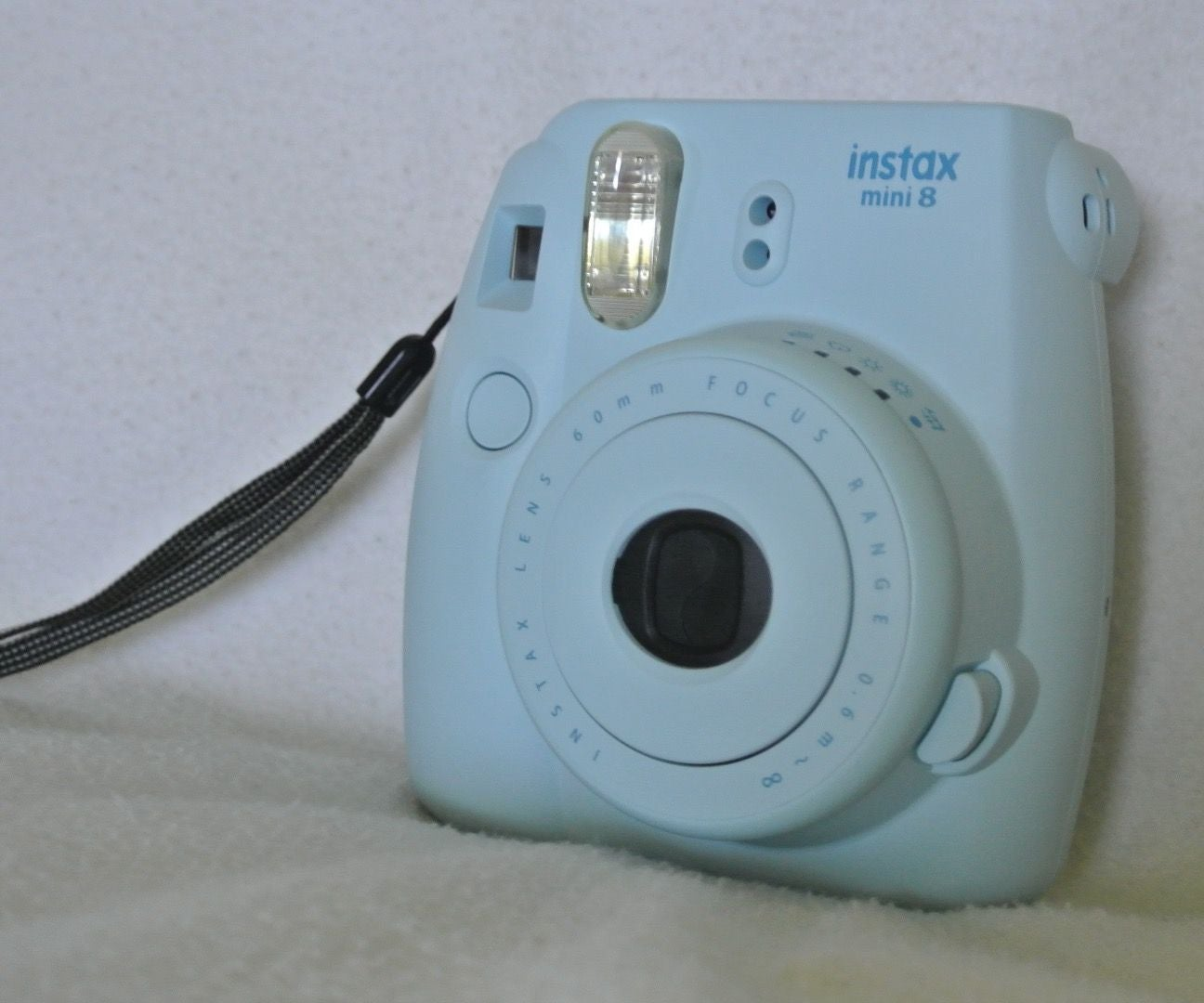 How to Load Film Into a Fujifilm Instax Mini 8: 7 Steps (with Pictures)