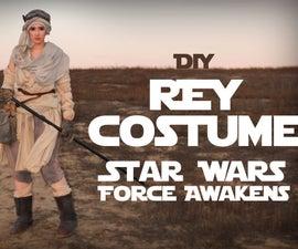 Star Wars: DIY Rey Costume