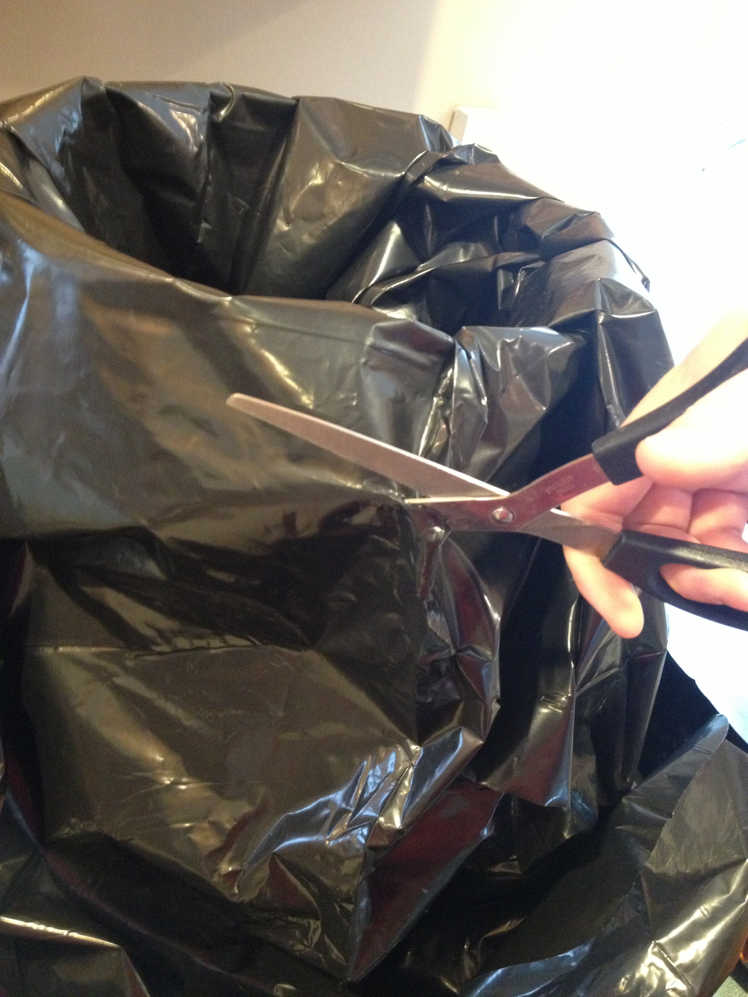 Picture of Fit Trash Bag to Bucket