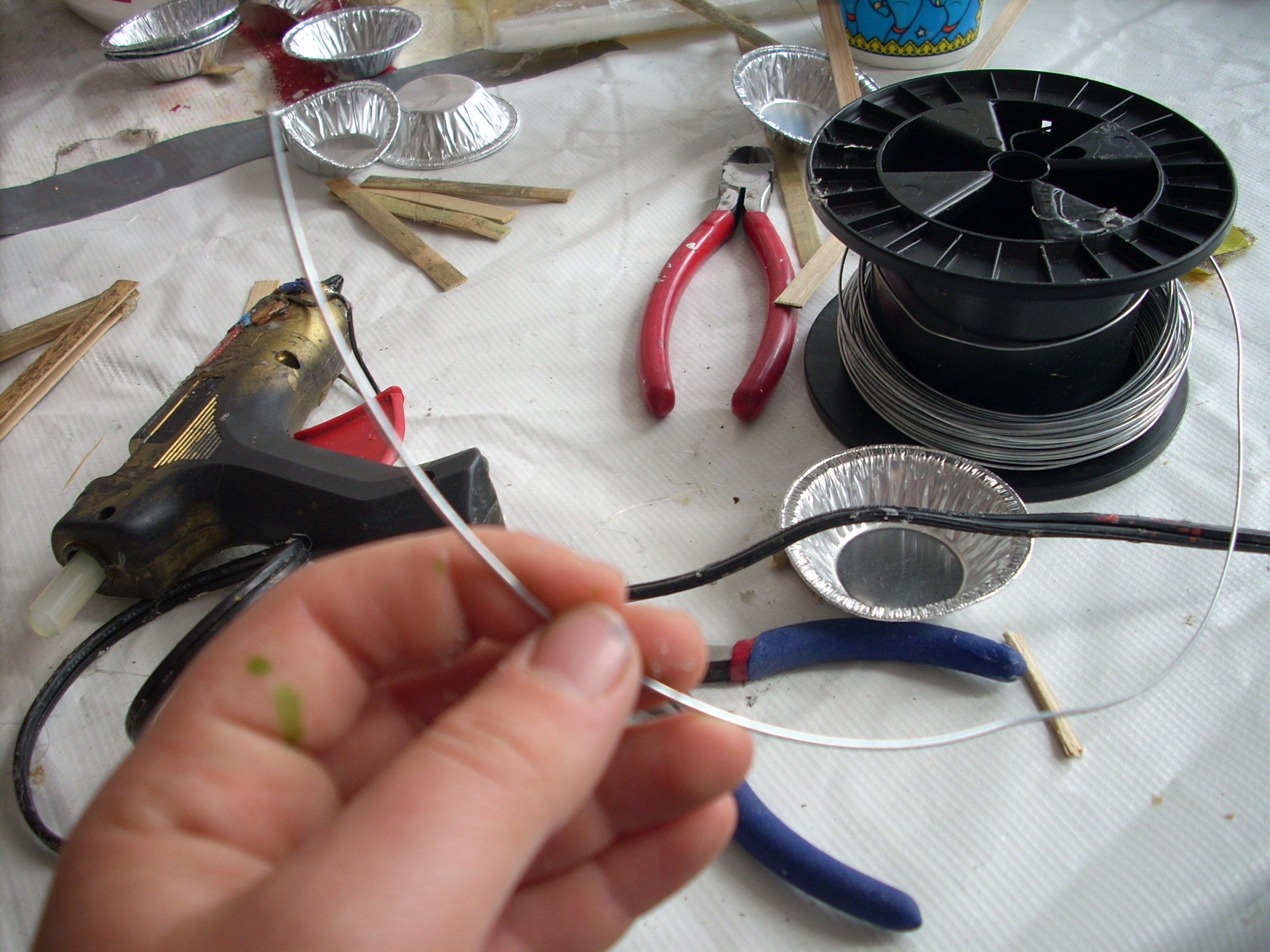 Picture of Tying Together the Corners With Wire
