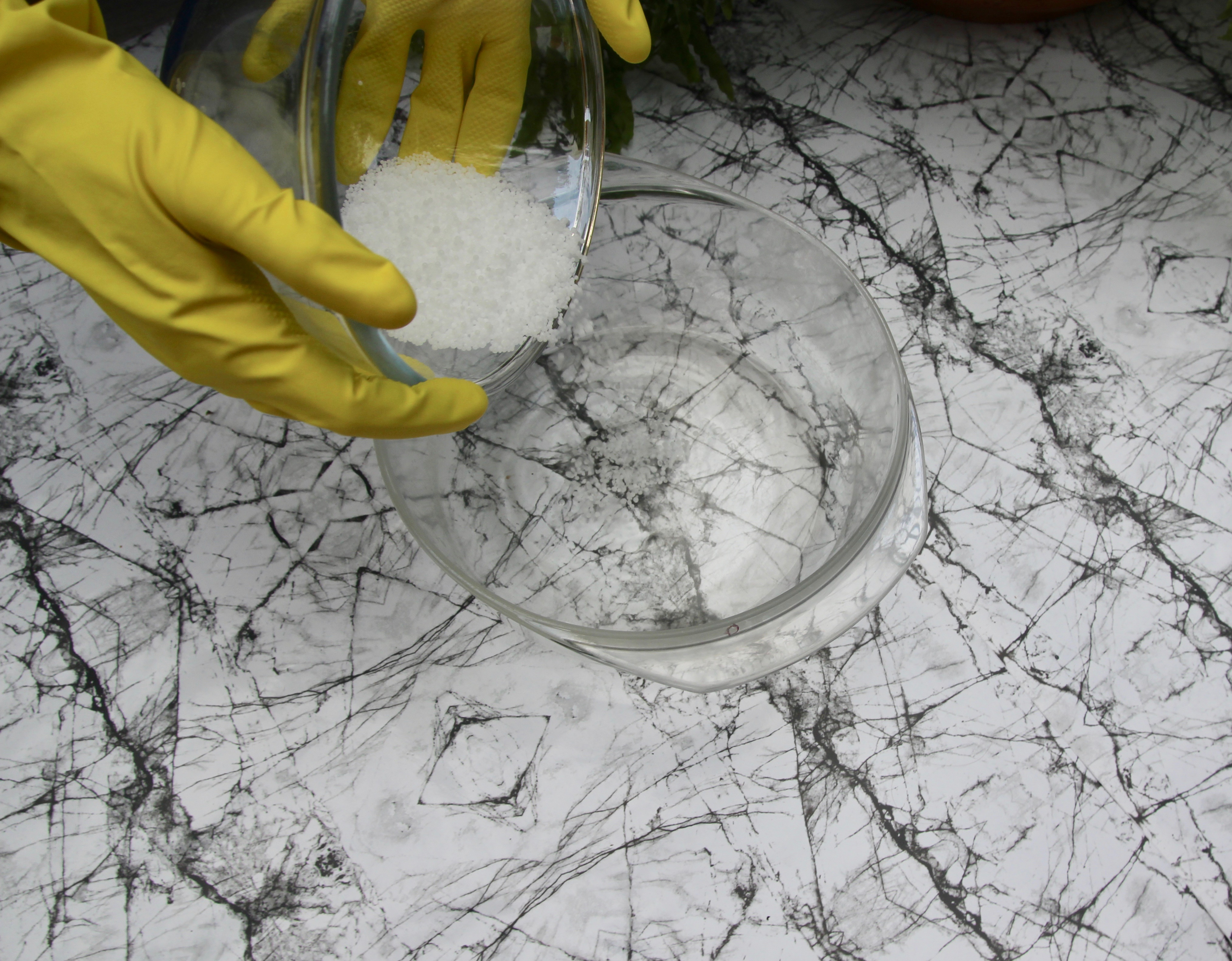 Picture of Make Your Lye - Water Mixture