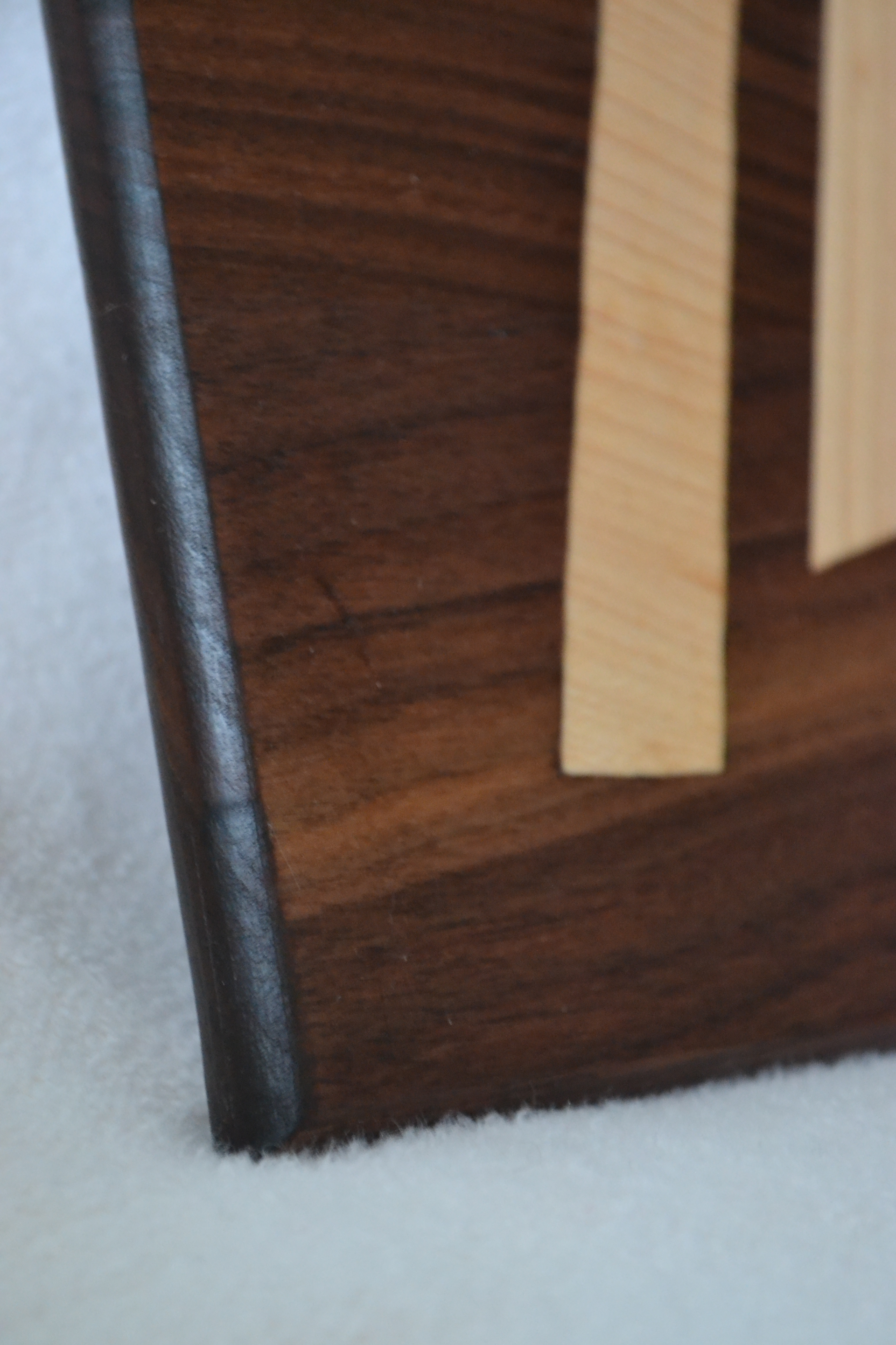 Picture of Heavy Metal Wood Cutting Board