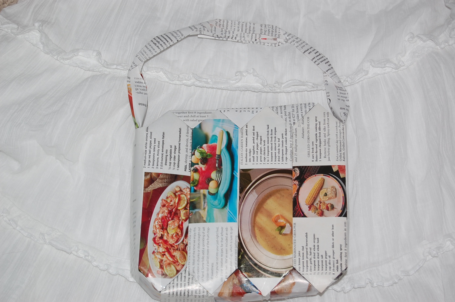 Picture of Recycled Magazine Purse!