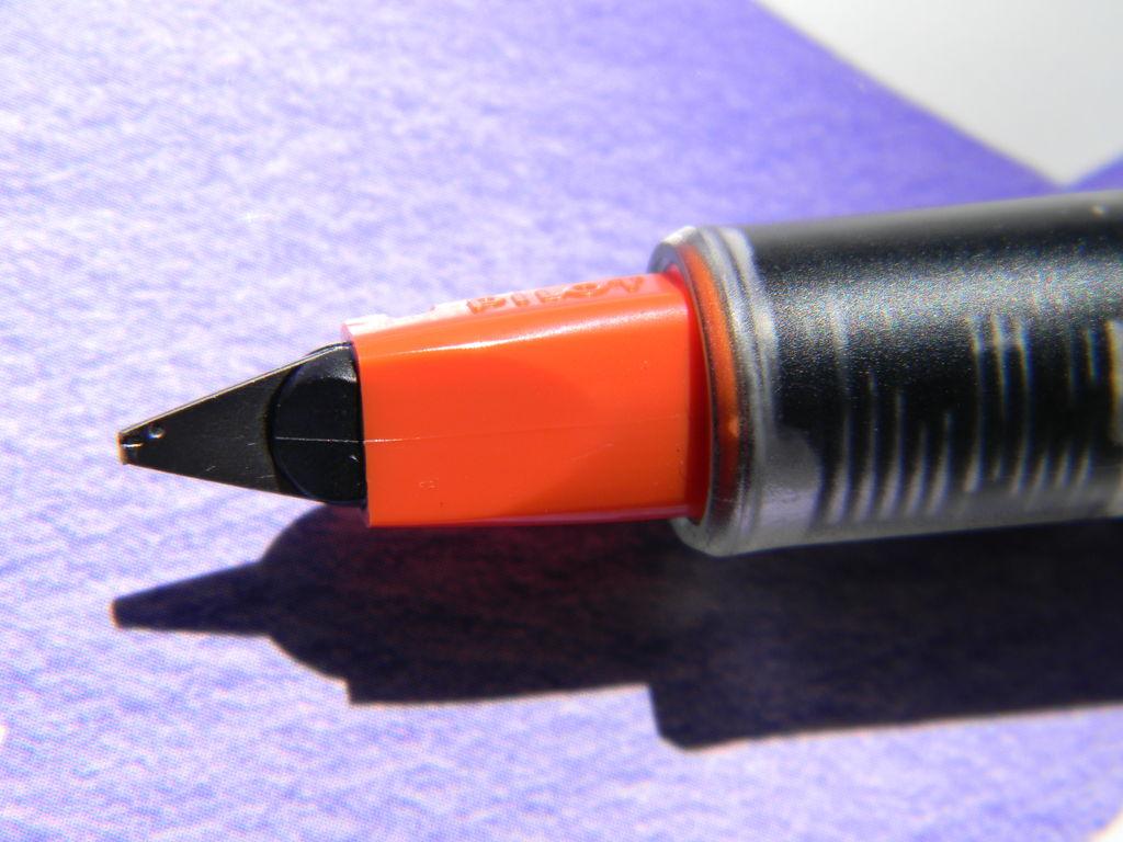 Picture of Usando La Tinta Con Plumas Fuenta