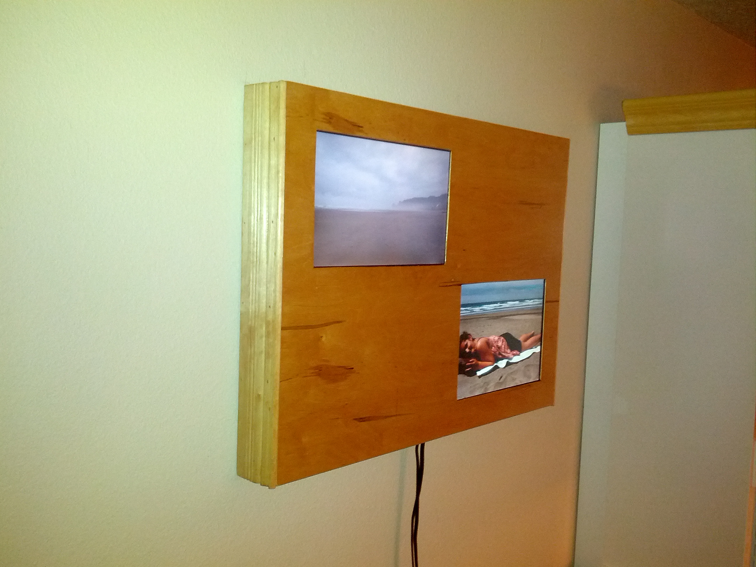 Picture of Dual Digital Frame/wall Mount Pc