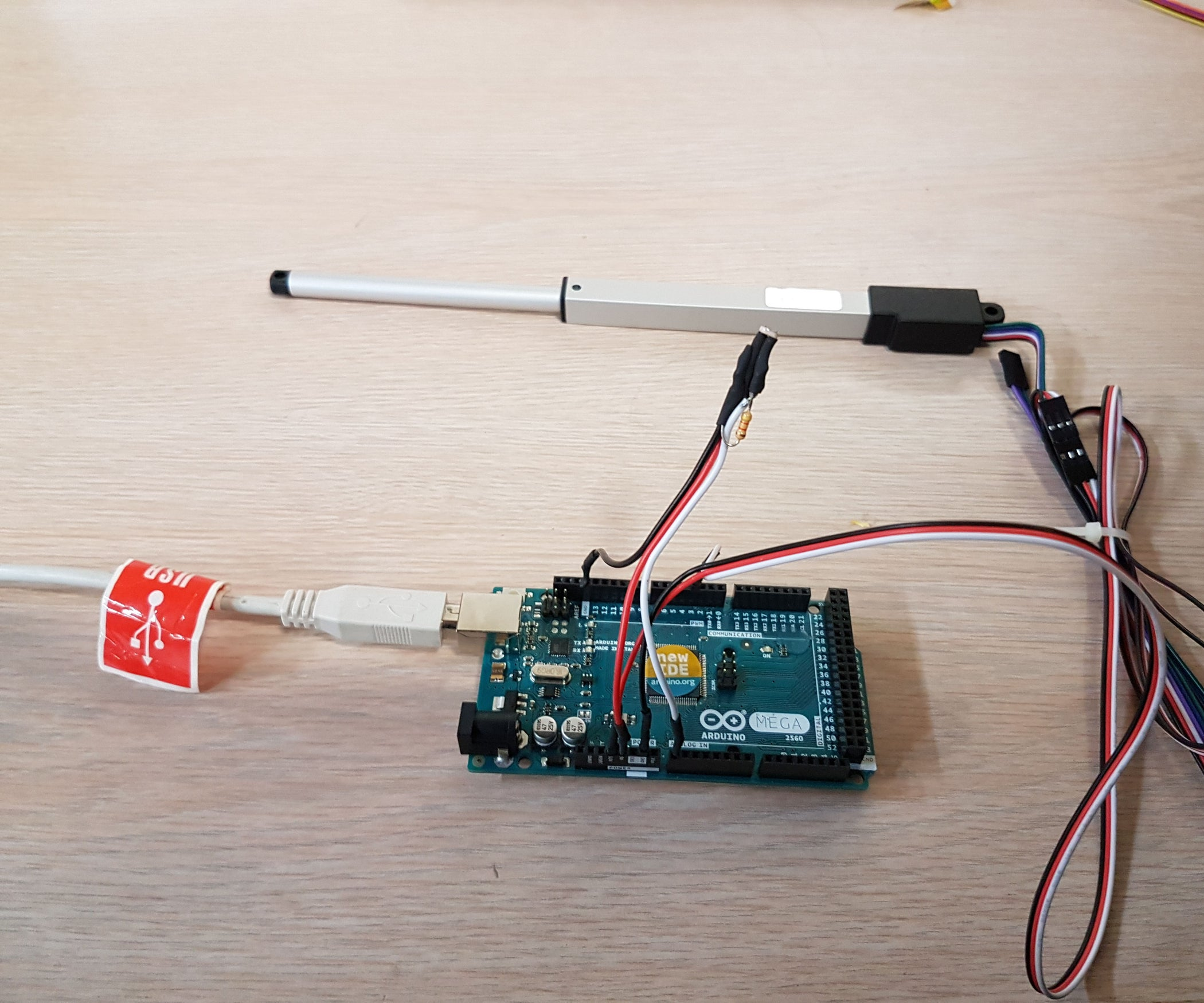 using a linear actuator with arduino and photoresistor 3 steps